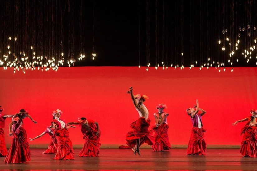 Image of dancers on stage.